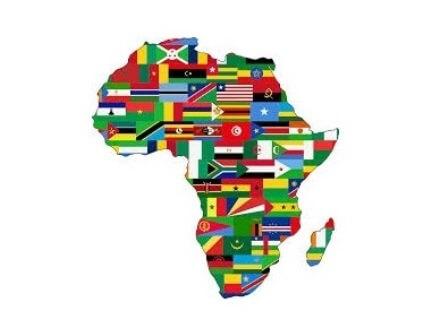 Kontur des afrikanischen Kontinents mit Flaggen Bildquelle: pixabay