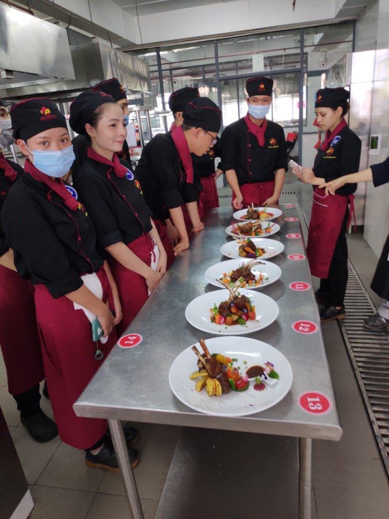 Einblick in die Ausbildung zum Koch in Vietnam.